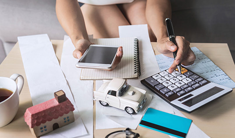 What business expenses can a sole trader claim?